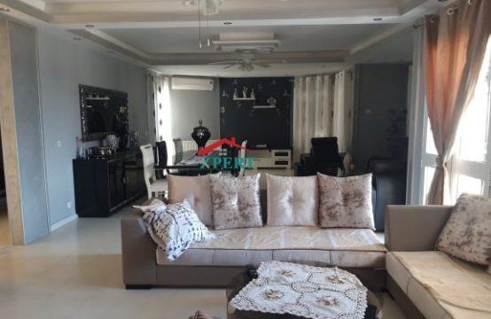 une villa S 4 à vendre à Akouda avec un atelier