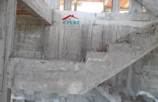 une maison inachevée bâtie sur un lot de 480 m² à Chraki Kalaa Sghira