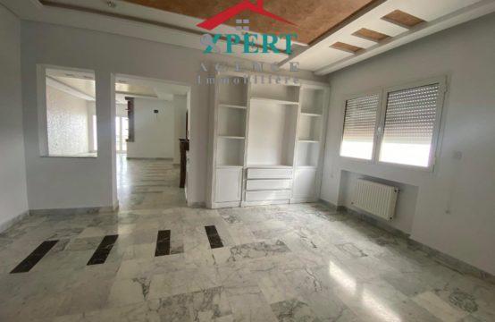 appartement S + 4 à vendre à khzema Est