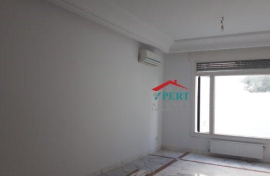 Appartement 100m², Cuisine équipée, Jardin, Avenue Khezama