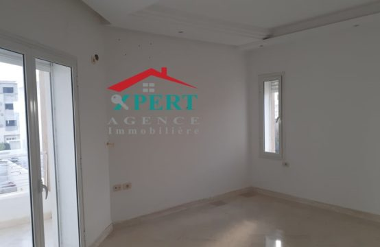 un spacieux étage de villa S 2 à Sahloul avec une entrée indépendante