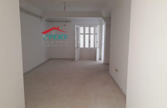 bureau S 2 à khzema au 1er étage