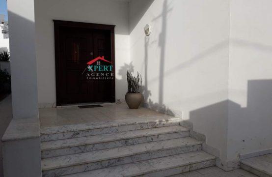 Villa 400m², Cuisine équipée, Terrasse, Sahloul